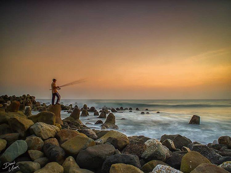 Pesona Keindahan Sore hari di Pantai Glagah Kulonprogo