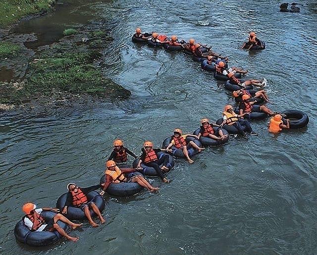 Atraksi Tubing di Lava Bantal, sumber ig holidayjogja