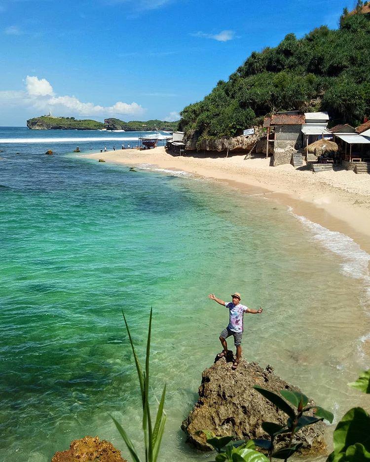 Pantai Sundak, sumber ig coco_z.o.e